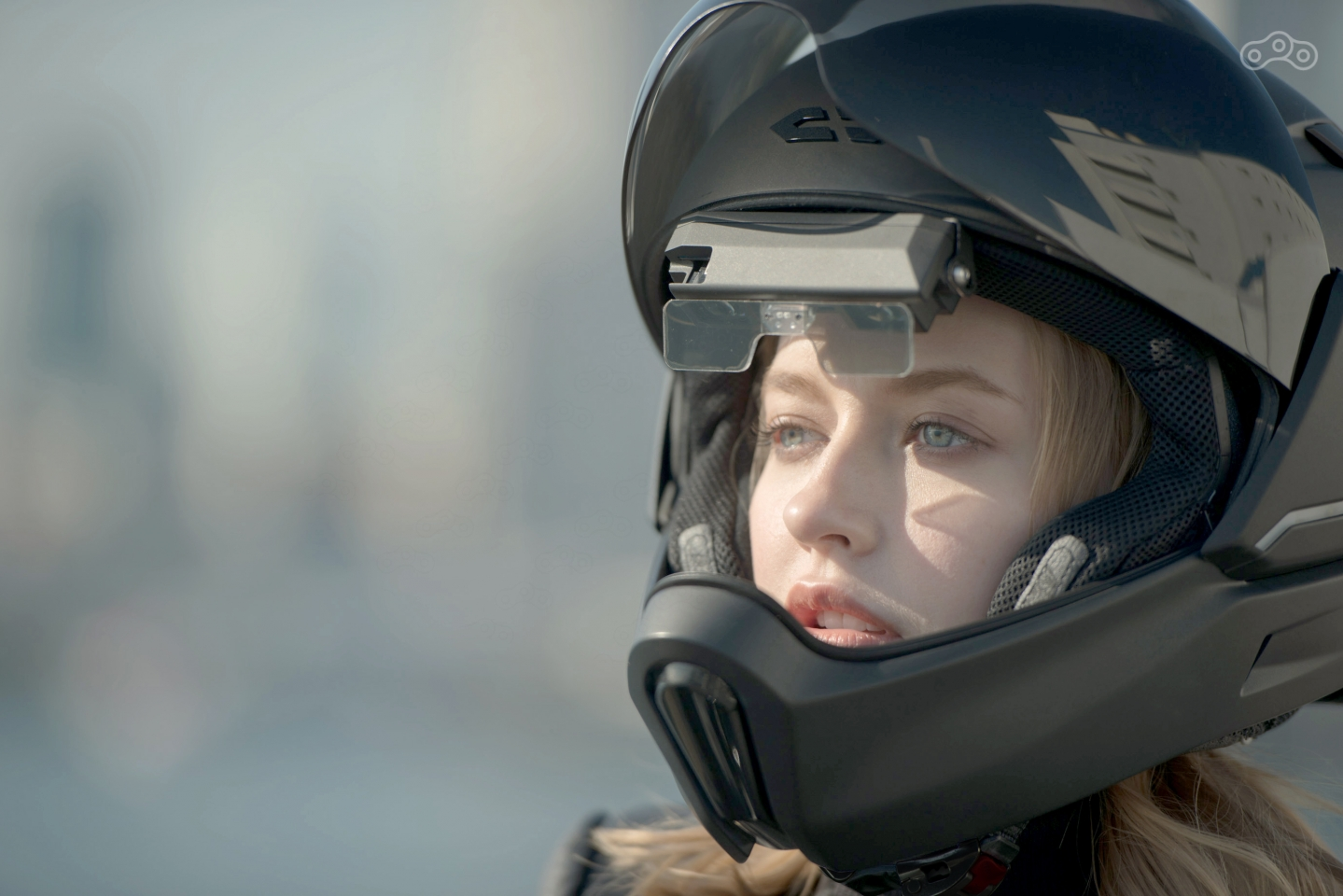 Мотошлем с обзором 360°